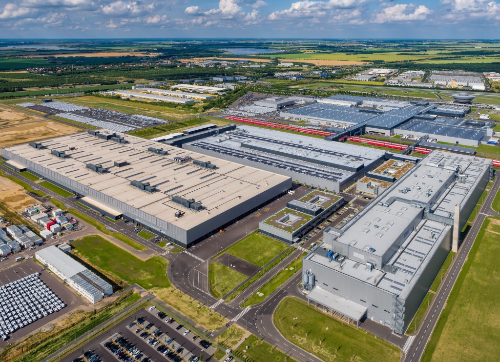 Plant overview Porsche Leipzig from a height of 200 meter